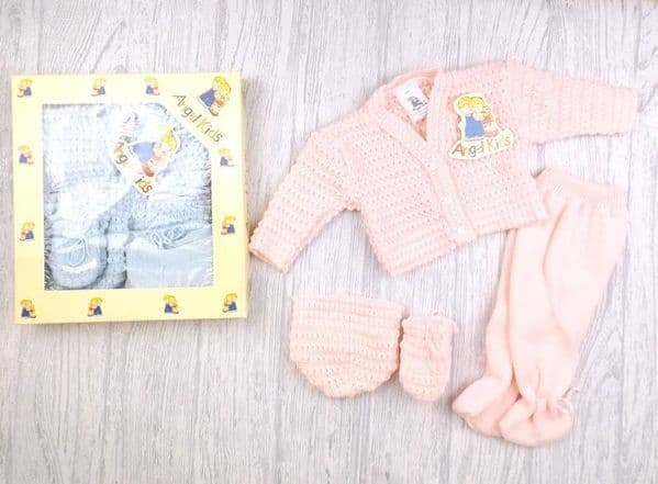 0-6 Month Knitted Gift Set
