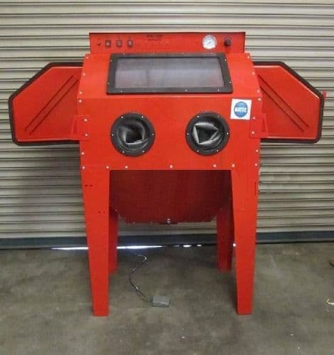 Sand Blast Cabinet fitted with 2 Blasting Guns & Dust Extractor SBC350 New Style