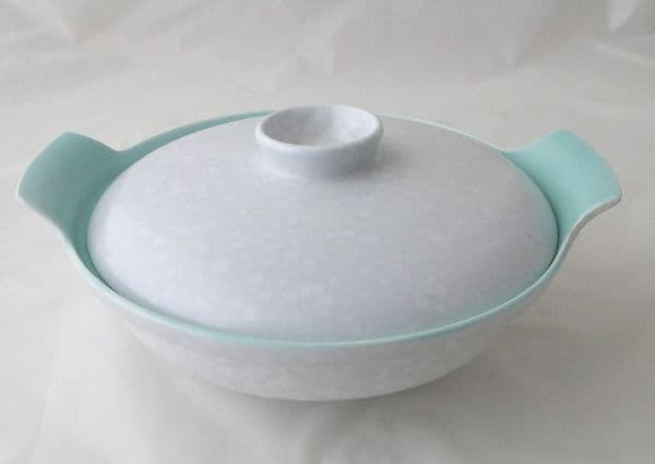 Poole Pottery Ice Green and Seagull Lidded Serving Dish (Centre of handle on lid is also Seagull)
