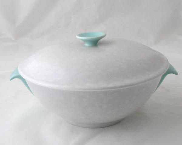 Poole Pottery Ice Green and Seagull Lidded Serving Dish (Streamline Shape)