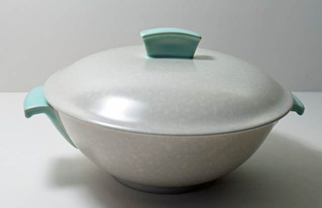 Poole Pottery Ice Green and Seagull Lidded Serving Dish (Streamline Shape). Very Minor Damage.