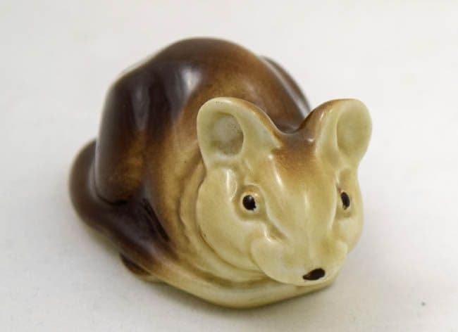 Poole Pottery Small  Airbrushed Mouse Lying Down
