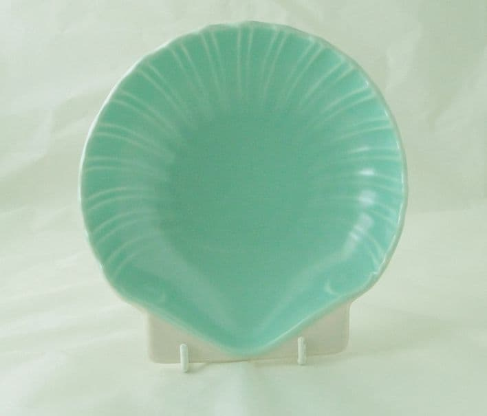 Poole Pottery Twintone Ice Green and Mushroom Shell