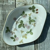 Wedgwood Wild Strawberry Gravy Boat Stand