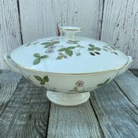 Wedgwood Wild Strawberry Serving Tureen, 2 Pint