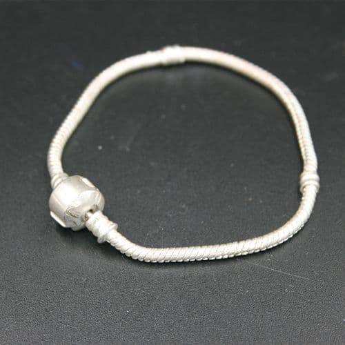 Bracelet for large hole beads