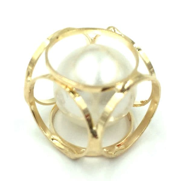 Caged cube with pearl inside - 15mm - Gold
