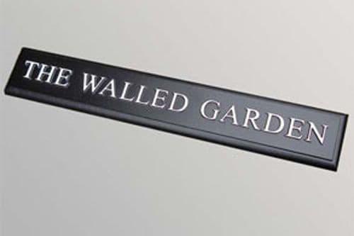 Hand Painted Rectangular Cast Sign STR6 - 1 Line of Straight text with chamfered edge - 600mm x 100m