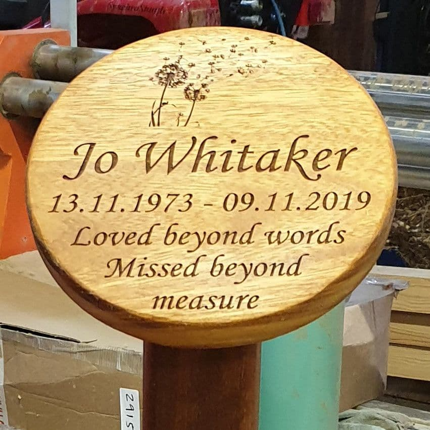 Round and Oval Wooden Memorial Plaques