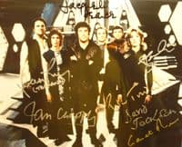 A145 - BLAKES SEVEN Signed by 7 cast 10x8 Photo