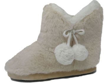 Dunlop Ladies Famous  Furry Pom Pom Slipper Boots  Warm Lining  IVORY